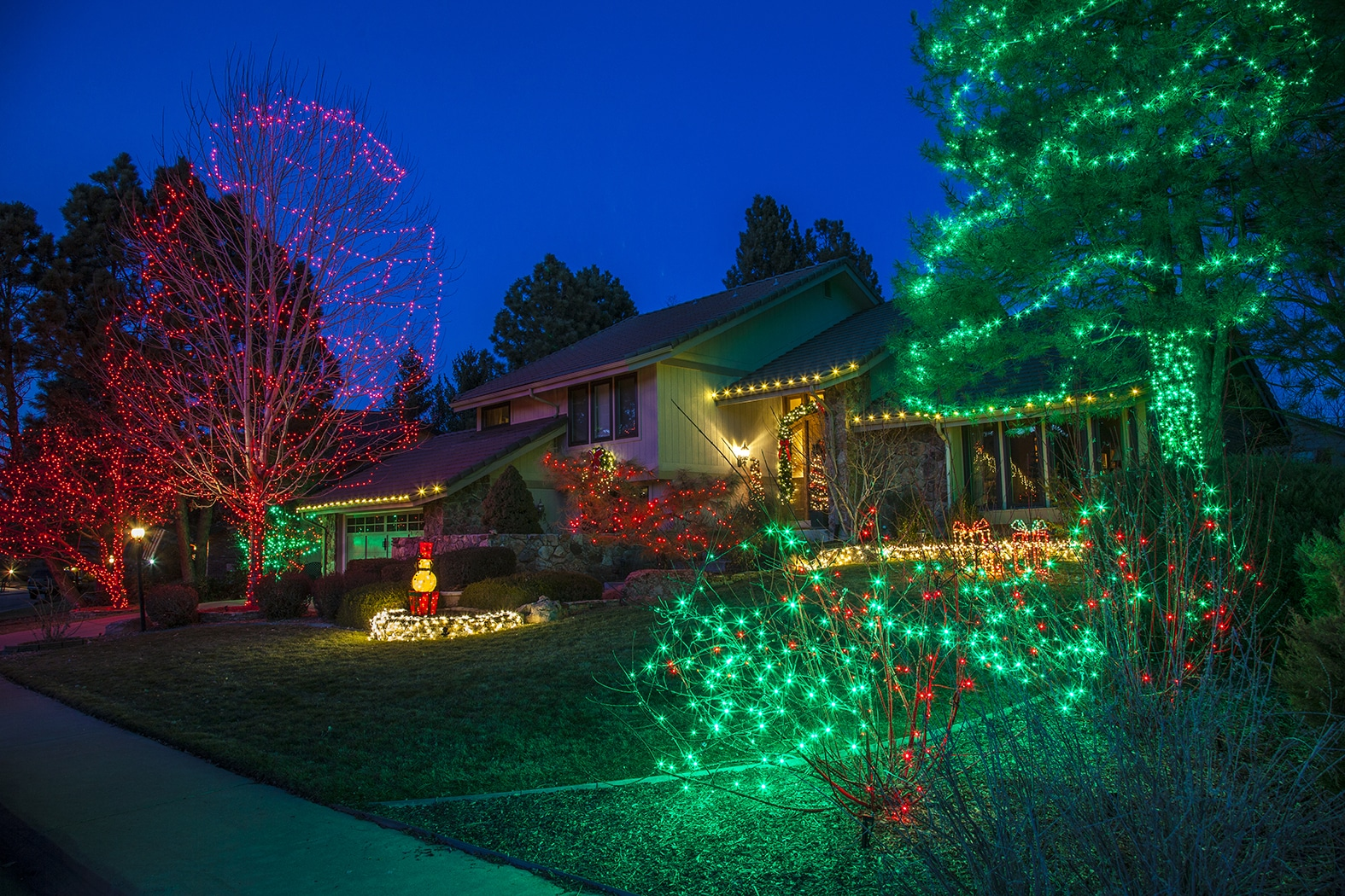 Christmas Light Installation Denver – Outdoor Christmas Light Installers